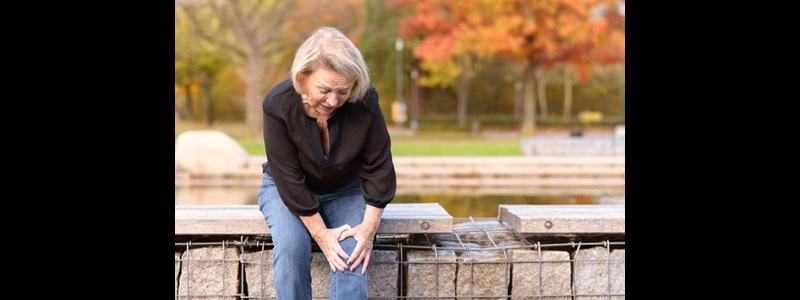 signs knee replacement